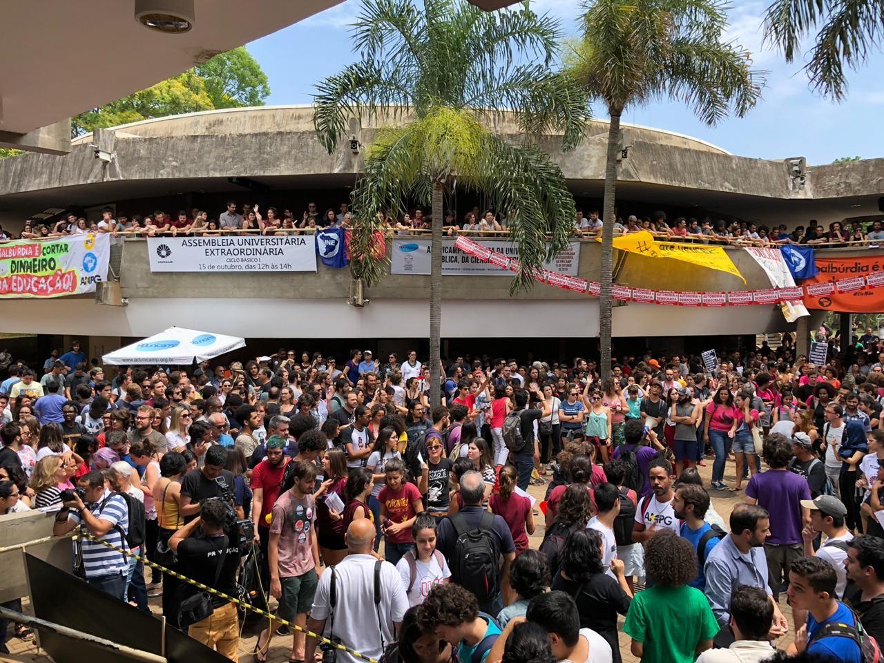 Em assembleia inédita, Unicamp aprova moção em defesa da educação, ciência e autonomia  - Notícias - Plantão Diário