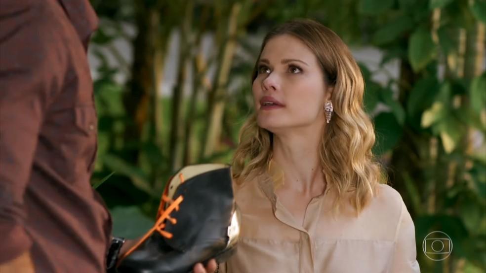 Jéssica (Karen Junqueira) critica atitude de Felipe (Marcos Pitombo) - 'Haja Coração' — Foto: Globo