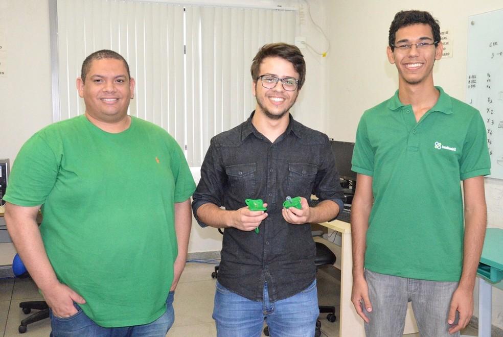 Equipe 'Questão de Brio', formada por estudantes de engenharia elétrica do IFPB, vence evento de desenvolvimento tecnológico (Foto: Daniela Espínola/IFPB)