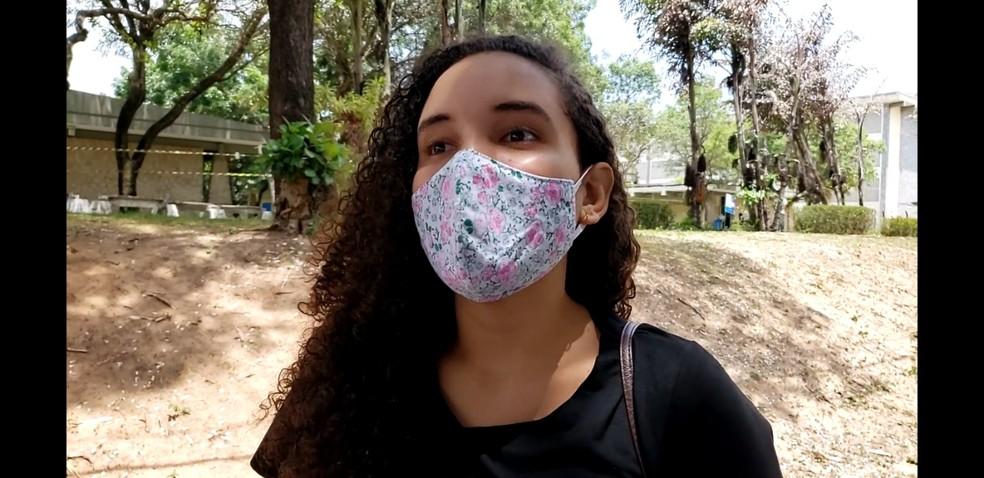 Letícia Eveny, de 19 anos, fez as provas do Enem digital nesse domingo (31) — Foto: Geraldo Jerônimo / Intertv Cabugi