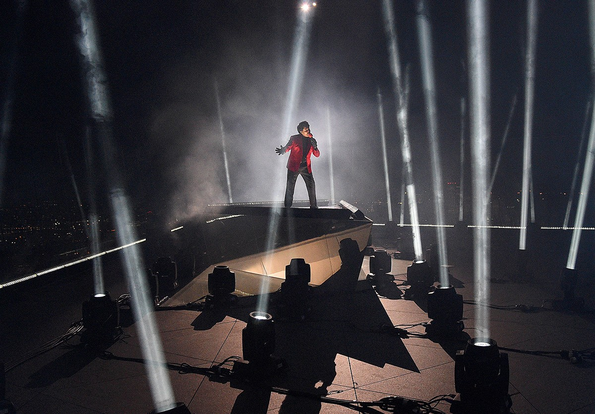 The Weeknd se apresenta no VMA 2020 (Foto: Getty Images)