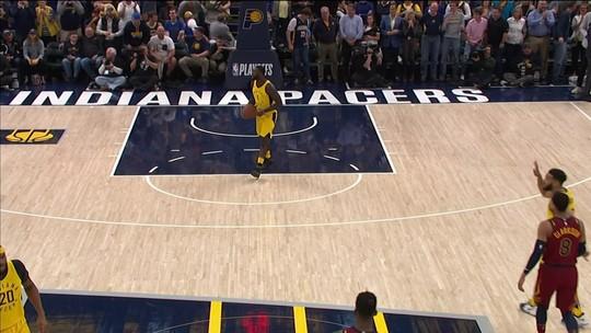 NBA tem brasucas e dancinha em Milwaukee, andada surreal e Lance pilhado