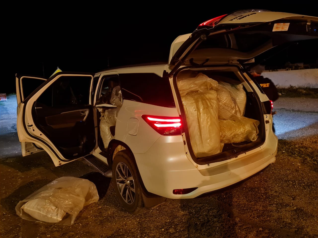 Homem é preso com 300 kg de maconha em caminhonete no Piauí