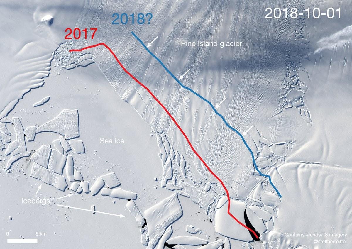 Faixas mostram a diferença no tamanho da geleira (Foto: Landsat OLI/by Stef Lhermitte/Delft University of Technology)