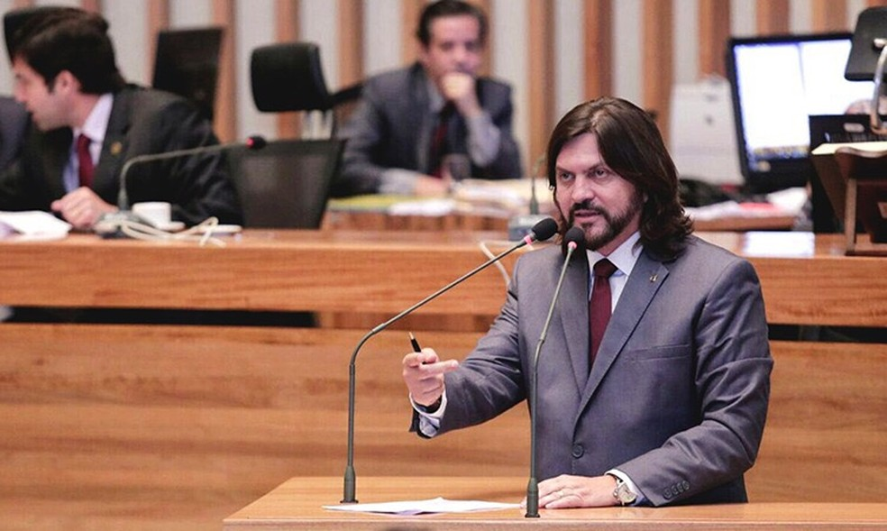 Claudio Abrantes discursa em plenário da Câmara Legislativa (Foto: Divulgação/Mardonio Vieira)
