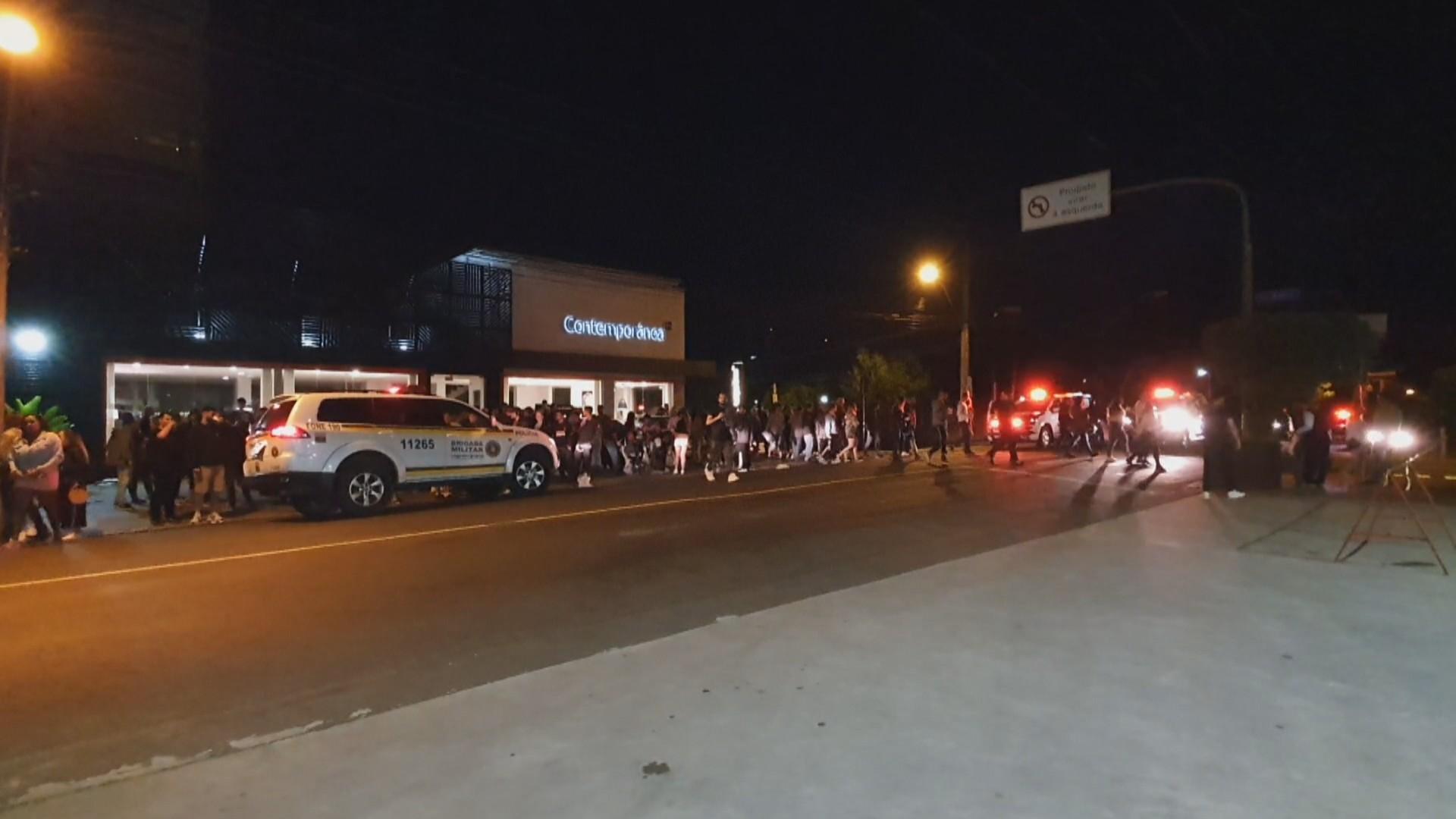 Aglomerações são registradas durante a madrugada em Porto Alegre