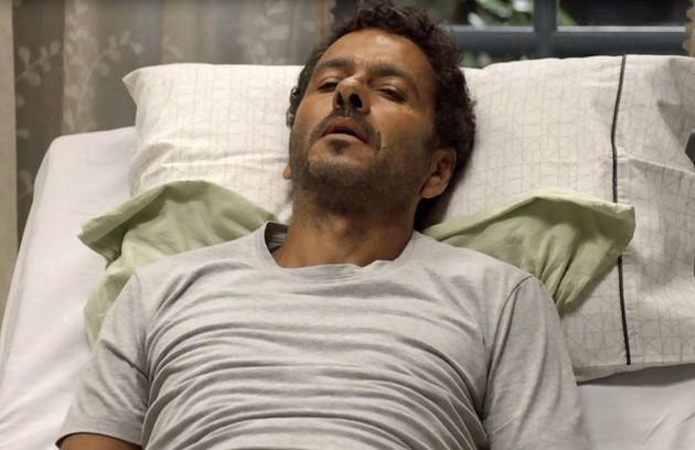Na quinta (6), Amadeu descobrirá que Gilda (Heloísa Jorge) está doente e desistirá de se separar dela (Foto: Reprodução)