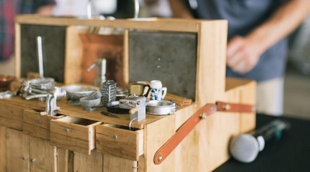 O artista já criou mais de 300 itens para a mini cozinha (Foto: Reprodução/Instagram)