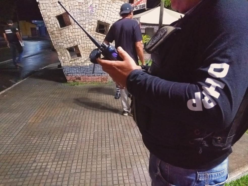 Jovem de 21 anos é morto a tiros enquanto aguardava amigos para jogar futebol — Foto: Acson Freitas/Inter TV Cabugi