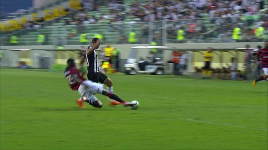 """Luan celebra reencontro com a vitória e projeta """"prova de fogo"""" contra Corinthians"""