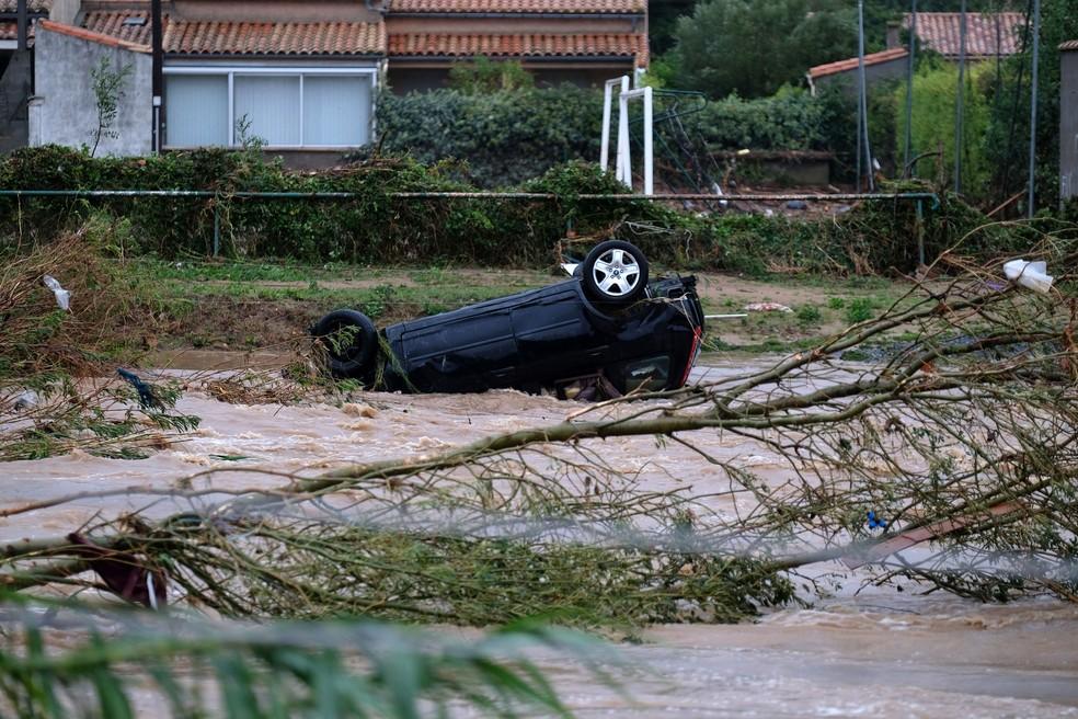 Chuvas provocaram transbordamento de rio no departamento de Aude, no Sul da França — Foto: Eric Cabanis / AFP