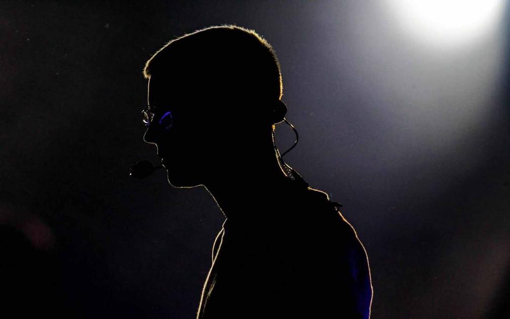 Cantor levantou o público com seus principais hits (Foto: Rodrigo Gorosito/G1)