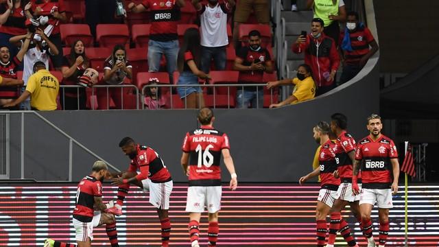 Copa Libertadores Flamengo v Olimpia - Mane Garrincha Gabigol Rodinei gol