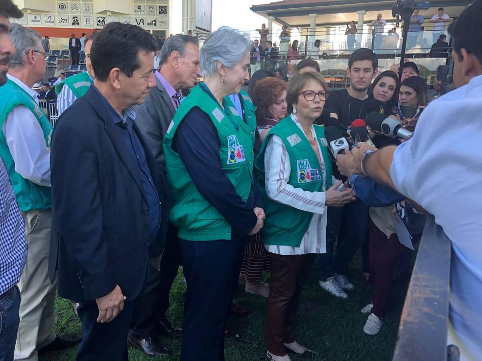 Expozebu 2019: ministra Tereza Cristina falou com a imprensa após discursar na abertura — Foto: Bruno Sousa/G1