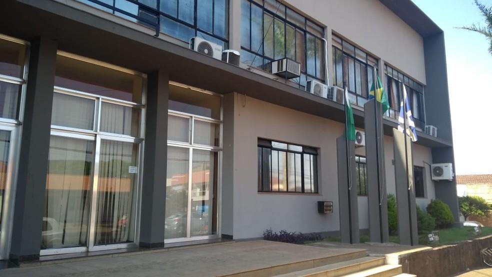 Operação do Gaeco investiga prefeito, secretários e procuradores de Rolândia, por fraudes em licitações e esquema de pagamento de propinas — Foto: Alceu Nascimento/RPC