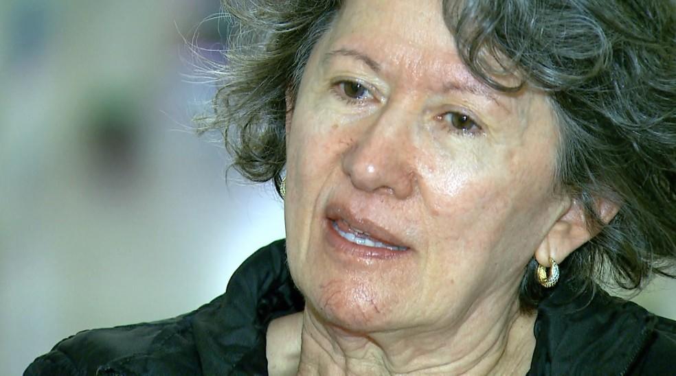 A dona de casa Marta Cunha, de 61 anos, realizou transplante de células-tronco para tratar esclerose múltipla — Foto: Fábio Junior/EPTV