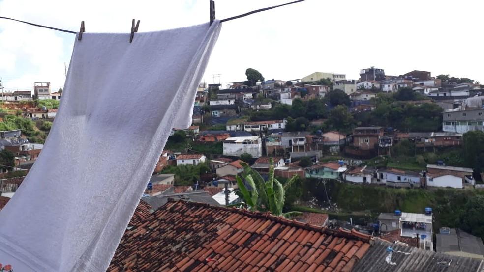Agressão aconteceu no Alto do Progresso, em Nova Descoberta, na Zona Norte do Recife, onde morava a vítima — Foto: Bruno Fontes/TV Globo