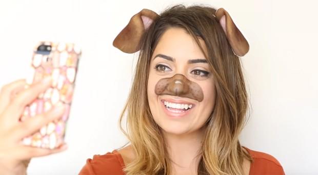 Maquiagem de filtro de cachorrinho também é criativa para o Halloween (Foto: Reprodução/Youtube)