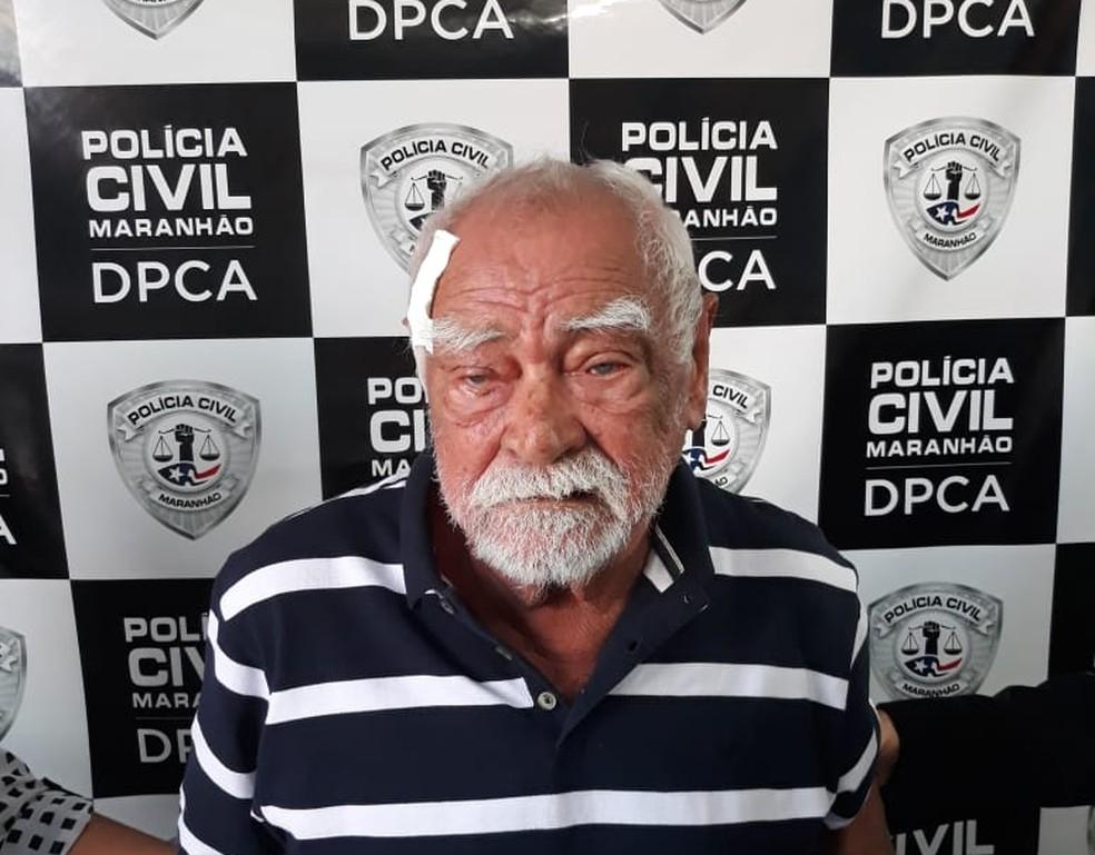 Raimundo Mendes Mouzinho, de 82 anos, foi preso após ser flagrado em um vídeo abusando de uma criança de 10 anos — Foto: Divulgação/Polícia Civil