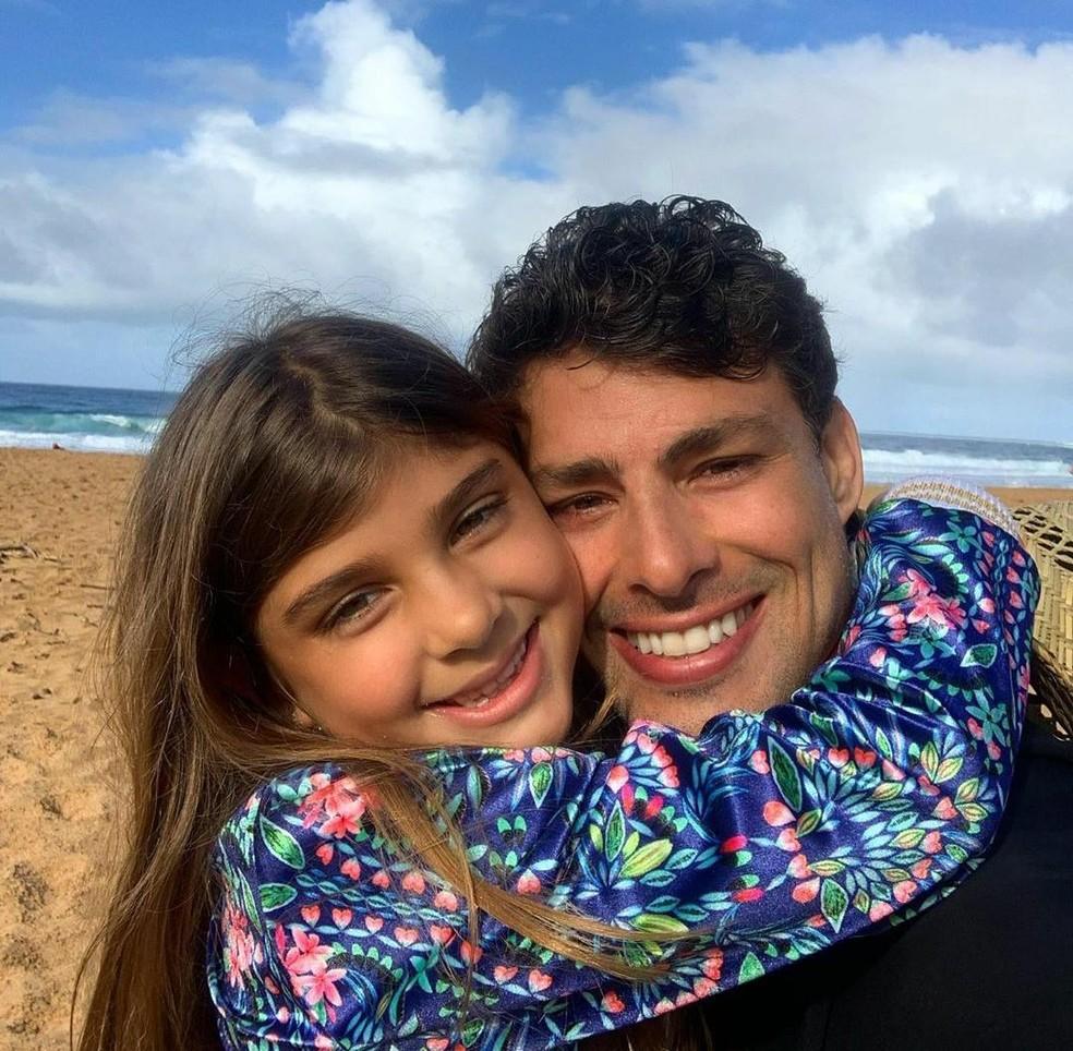 Cauã Reymond com a filha Sofia, fruto do relacionamento com Grazi Massafera — Foto: Reprodução/Instagram/Cauã Reymond