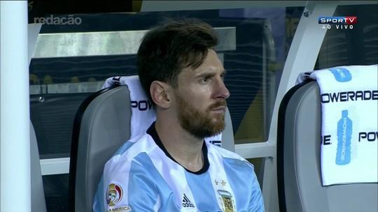 """Derrota humaniza Messi e mostra  que ele não é """"máquina"""", diz jornalista"""
