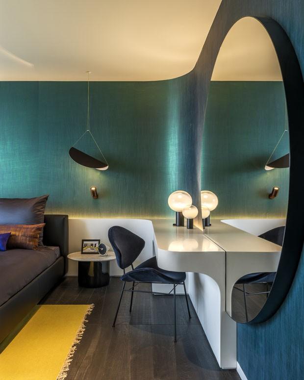 Décor do dia: quarto com cores vibrantes e metálicas (Foto: Divulgação)
