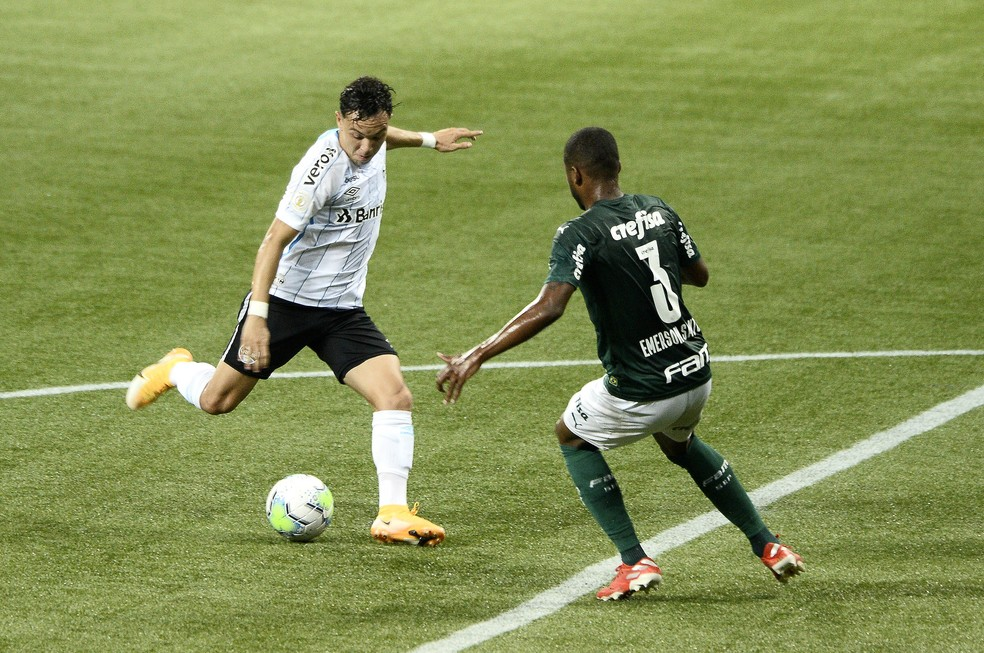 Pepê em Palmeiras x Grêmio — Foto: Marcos Ribolli/ge