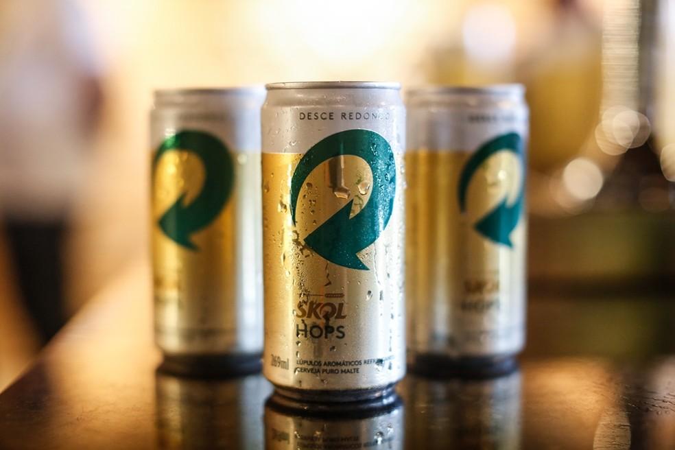 Segundo a Ambev, Skol Hops é uma cerveja puro malte com lúpulos aromáticos (Foto: Divulgação)