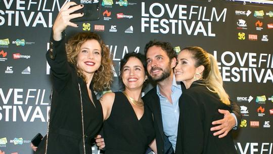 'Love Film Festival': looks elegantes e total black predominam em noite de pré-estreia