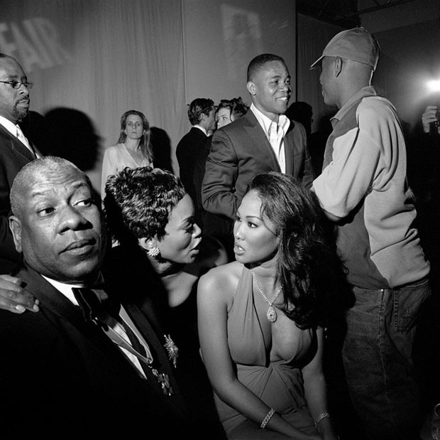 Courtney Bernard Vance, André Leon Talley, A. Bassett, Kimora Lee Simmons, Cuba Gooding Jr., Russell Simmons, LA, 2002 (Foto: Photography by Larry Fink)