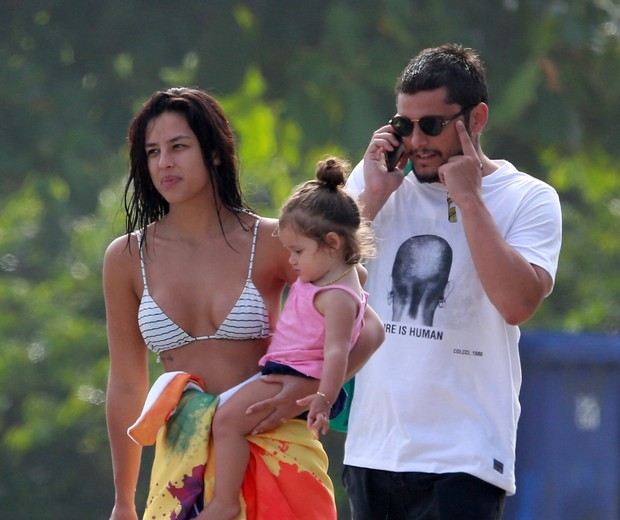 Bruno Gissoni, Yanna Lavigne e Madalena (Foto: AgNews/Dilson Silva)