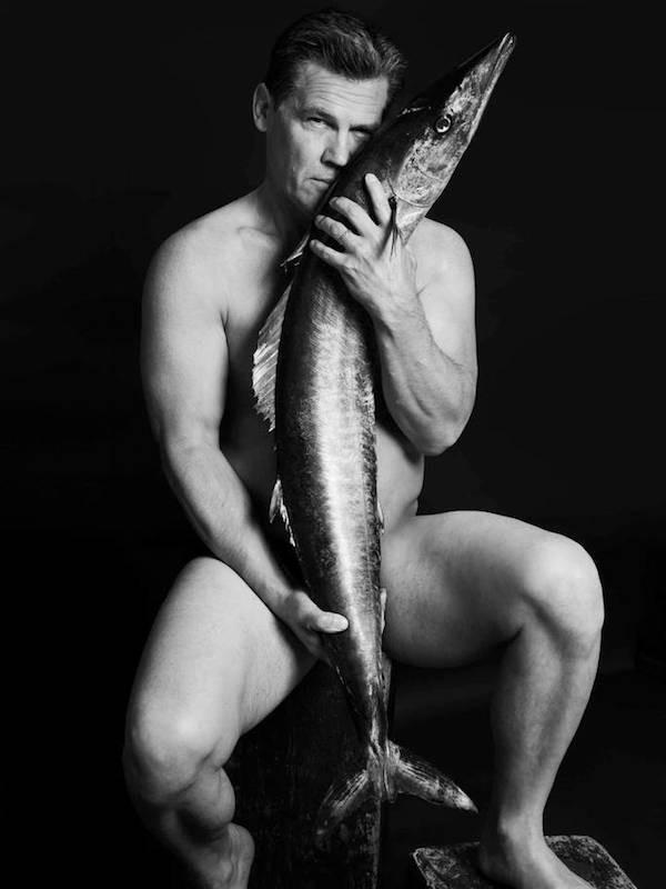 O ator Josh Brolin em foto da campanha contra a pesca ilegal (Foto: Divulgação)