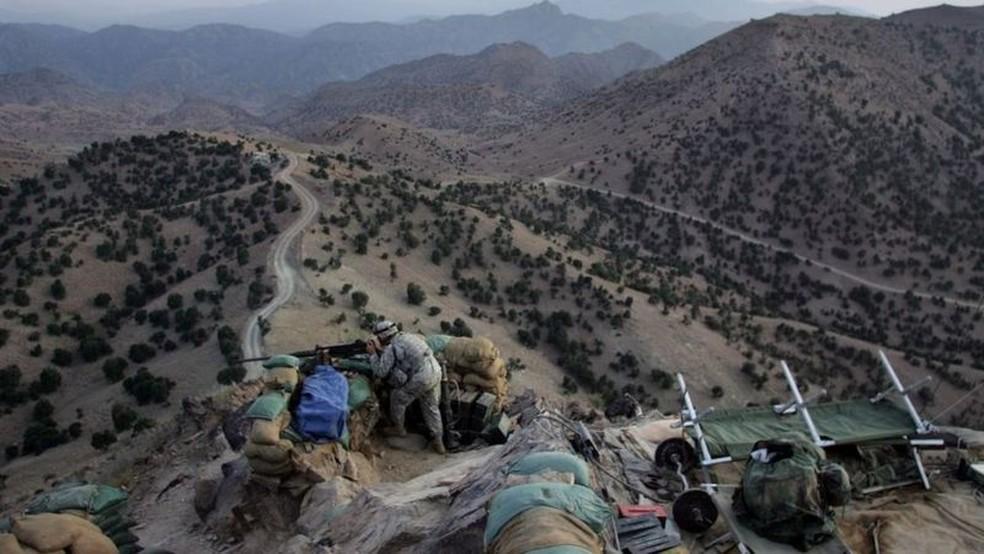 O Afeganistão é um país com uma infraestrutura muito pobre e uma geografia difícil — Foto: Getty Images via BBC