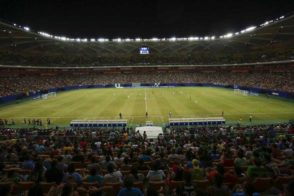 O duelo entre Iranduba e Santos, na Arena da Amazônia, com mais de 25 mil pessoas, bateu o recorde de público entre clubes do Brasil (Foto: Bruno Kelly/All Sports)