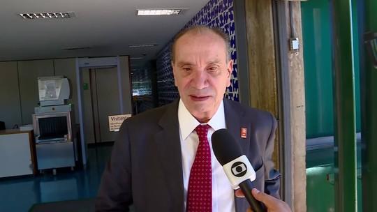 Aloysio Nunes é atendido no ambulatório da Câmara após sentir dores