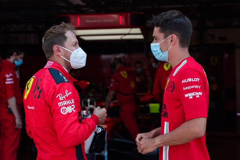 Vettel e Leclerc no circuito de Mugello para testes da Ferrari — Foto: Reprodução Ferrari
