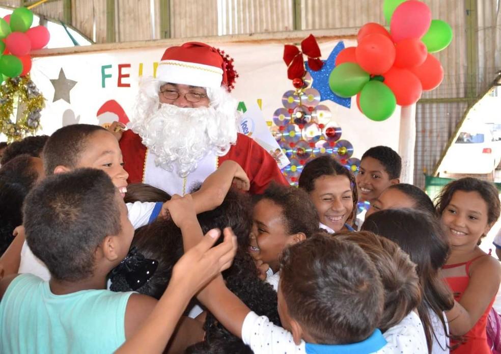 Campanha presenteia crianças carentes (Foto: Divulgação/Correios)