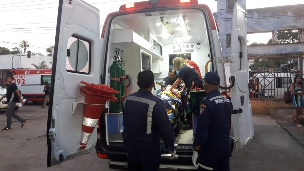 Criança foi socorrida pelo Samu após ser atingida por muro — Foto: Arquivo pessoal