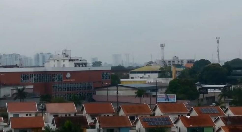 Cidade de Manaus registou temperatura mais amena na manhã deste sábado — Foto: Rede Amazônica