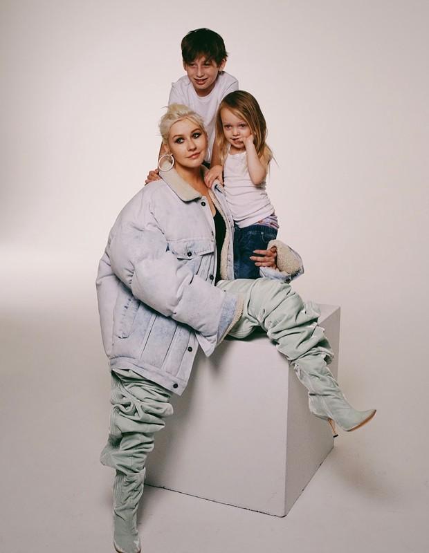 Christina Aguilera com os filhos, Max e Summer (Foto: Reprodução/Instagram)