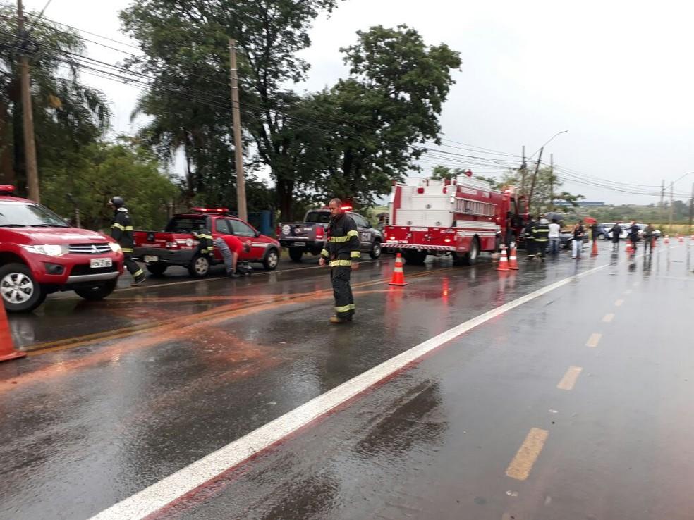 Colisão frontal causou a morte de um homem e deixou mulher ferida em Limeira (Foto: Wagner Morente/Comunicação GCM Limeira)
