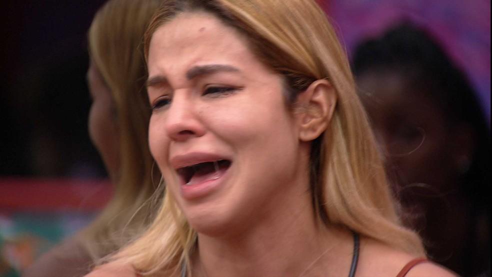 Kerline chora ao falar de situação com brother: 'Era uma brincadeira que eu tinha feito' — Foto: Globo