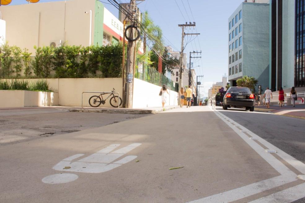 Ruas receberam pinturas indicando local para pedestres — Foto: Prefeitura de Florianópolis/Divulgação