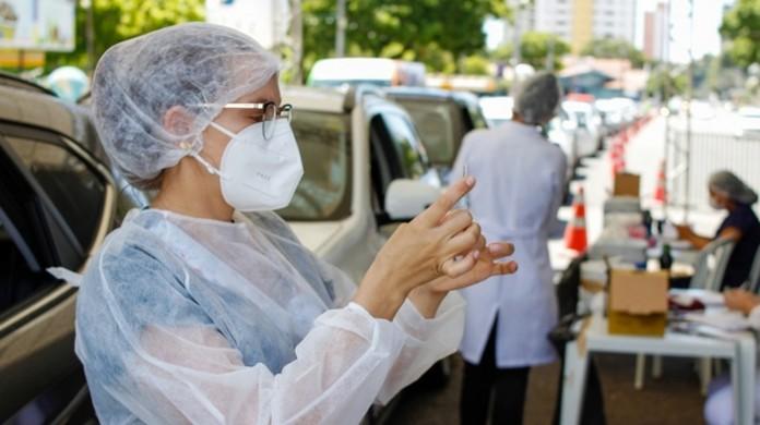 Após decisão judicial, Natal suspende vacinação de trabalhadores da saúde  para adequar grupos prioritários   Rio Grande do Norte   G1