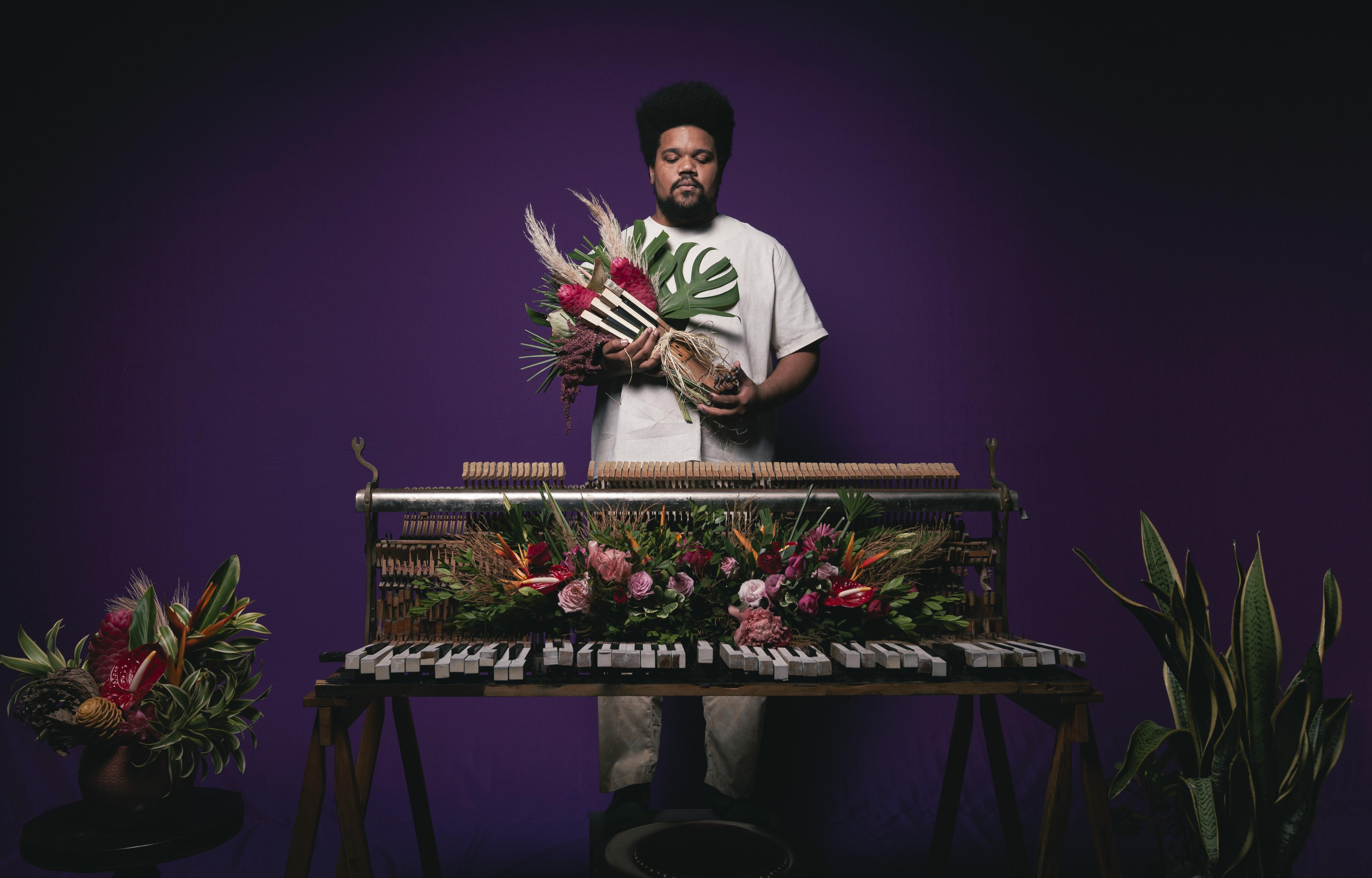 Amaro Freitas alça voo para trazer memórias do Brasil negro no álbum 'Sankofa'