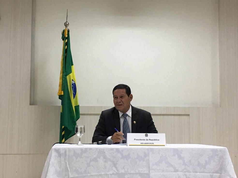 Presidente em exercício esteve em Porto Velho nesta terça-feira (10) para tratar assuntos sobre o Conselho da Amazônia.  — Foto: Mayara Subtil/G1