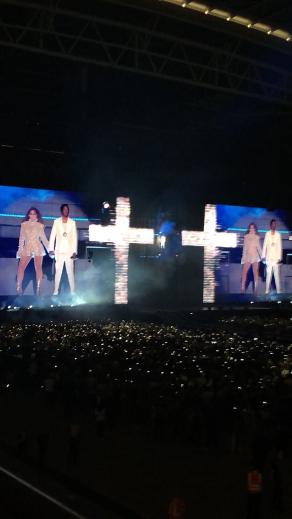 Beyoncé e Jay-z no palco (Foto: Reprodução)