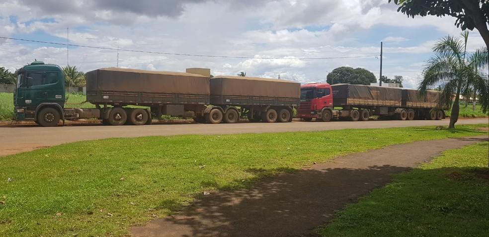 A ação foi filmada pelos investigadores, que logo em seguida realizaram a abordagem dos caminhões — Foto: Polícia Civil de Mato Grosso/Assessoria