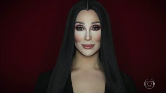 Maquiador inglês se transforma em Cher, rainha Elizabeth II e Jennifer Lawrence