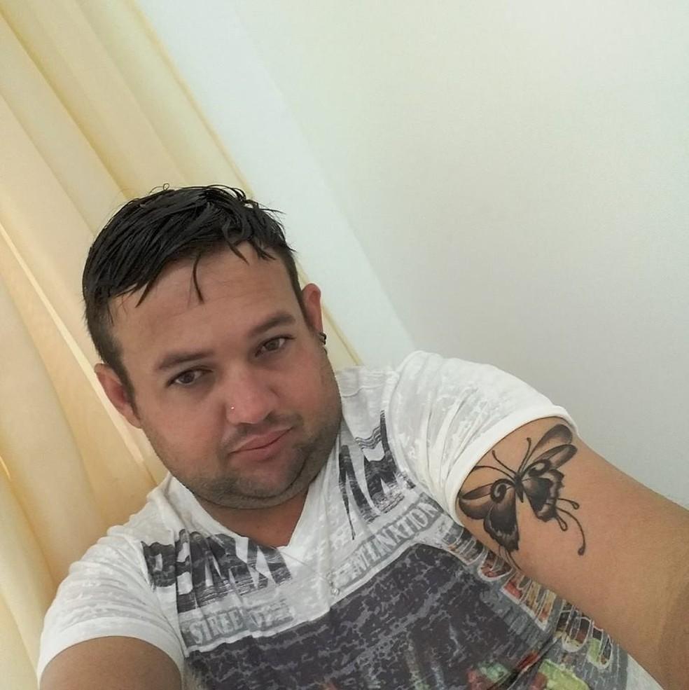 Ozéias Cassimiro de Camargo está foragido da Justiça — Foto: Facebook/Reprodução